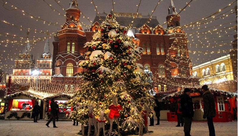 Куда сходить с ребенком на новогодние каникулы в Москве