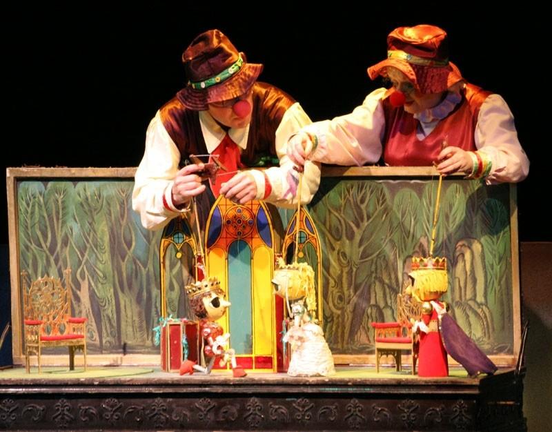 Театр Кукол - куда сходить с ребенком в Екатеринбурге?